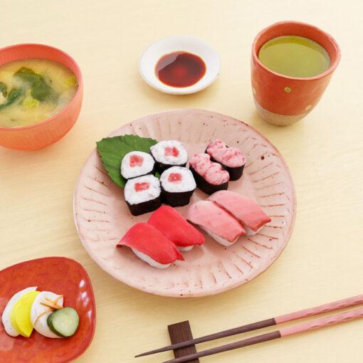 女子の3Dモデル-シンプルまる皿とお寿司
